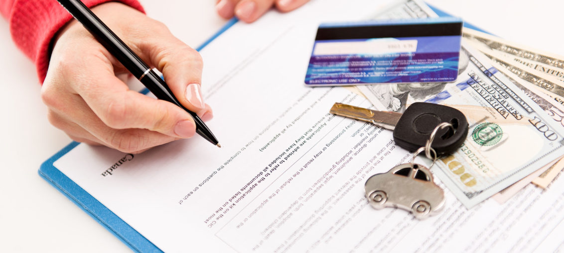 Difference Between a Loan Officer And a Finance Broker